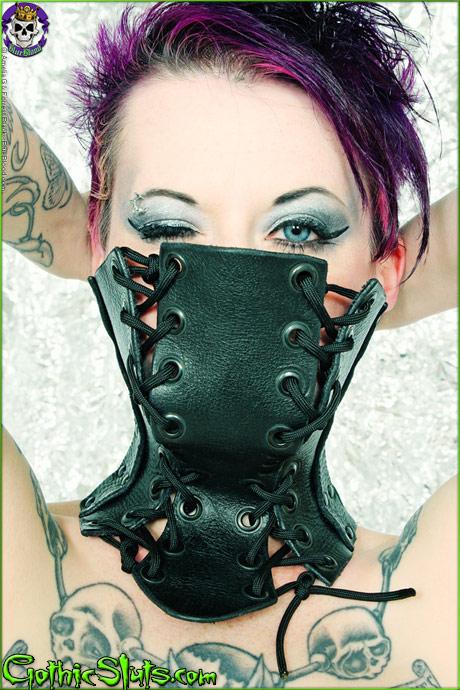 gothicsluts nixon sixx antiseptic fashion