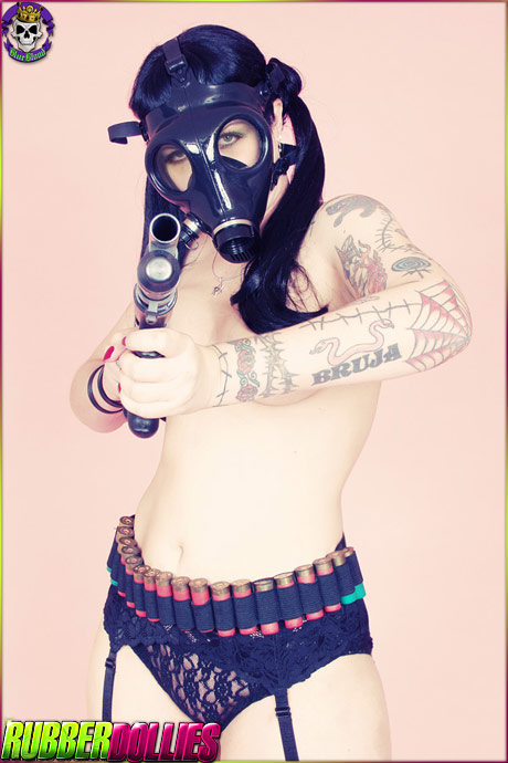 rubberdollies dana dark gasmask