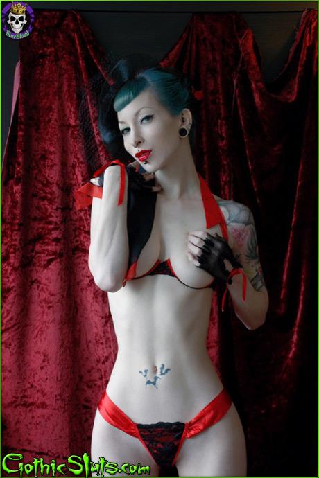 gothicsluts razor candi ribbons razorcandi gothic sluts burlesque