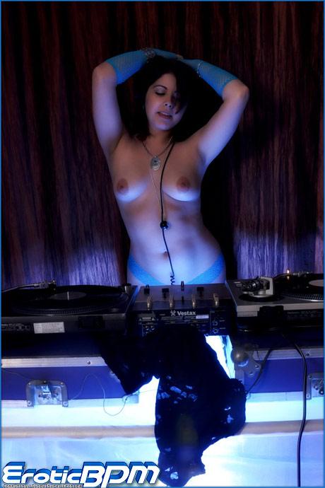 eroticbpm lizzy kaelar dj